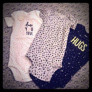 Carter's baby girls bodysuit set 12month